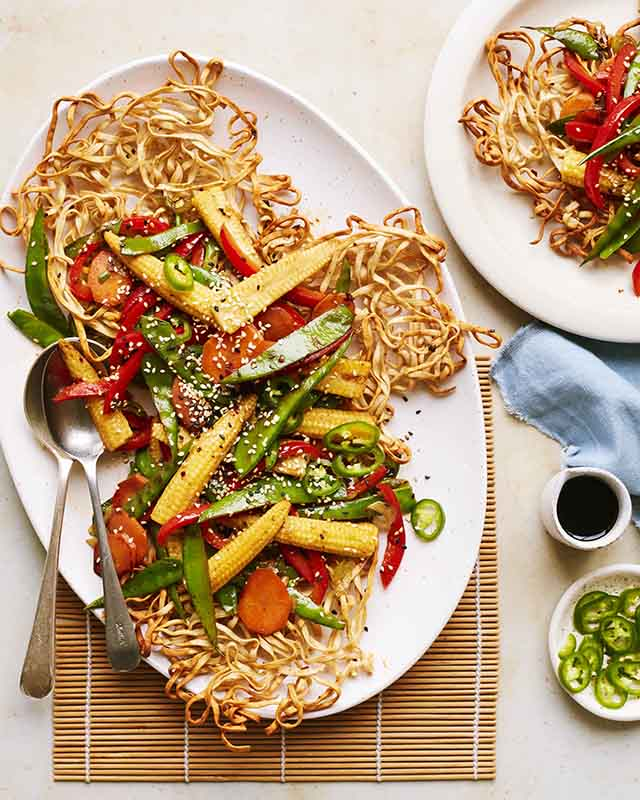Crispy Noodles with Stor Fried Vegetables